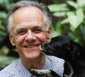 Fernando Vallejo recibe el Premio FIL de Literatura 2011