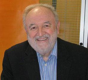 Diego Carcedo, Premio Espasa de Ensayo, por Entre bestias y héroes