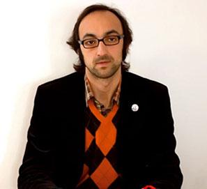 Escritores firman carta de protesta y apoyo a Fernández Mallo