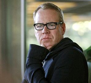 bret easton ellis no sera el guionista de cincuenta sombras de grey