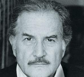 Carlos Fuentes es nombrado doctor honoris causa por la UNED
