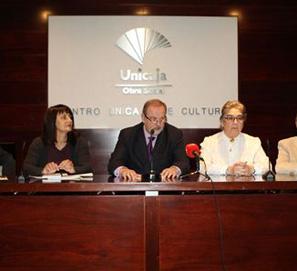 Manuel Moya, ganador del XII Premio Unicaja Fernando Quiñones