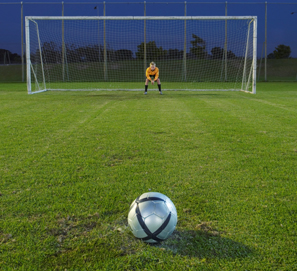 Penalti o penalty - plural penaltis o penaltys