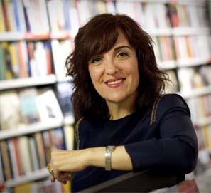 Elvira Lindo, librera por un día en Tipos Infames