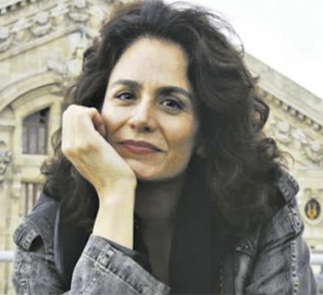 Azar, Gabriela Alemán para Traviesa
