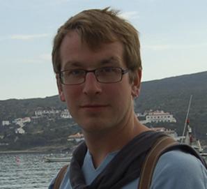 Apoyo al escritor Alexander Garros
