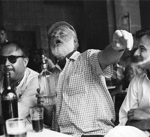 Hemingway en Los Sanfermines bilaketarekin bat datozen irudiak