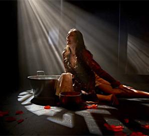 El hogar del monstruo: teatro con Espido Freire y Vanessa Montfort