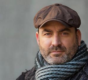 El poeta y narrador Ernesto Pérez Zúñiga