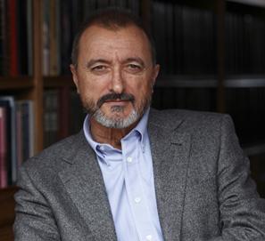 Resultado de imagen para arturo perez reverte biografia