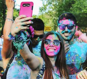 Selfi y selfis como adaptación de selfie y selfies