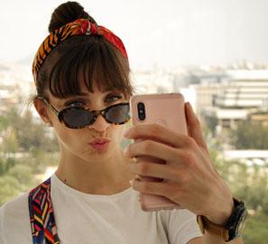 Selfie es autofoto en español