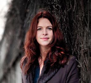 Åsa Schwarz publica Ángel caído y utiliza Facebook